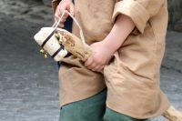Mittelalterspielzeug: Steckenpferd mit Zaumzeug