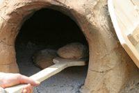 Brot im Lehmbackofen