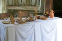 Mittelalterkochbuch: Tafel, gedeckter Tisch